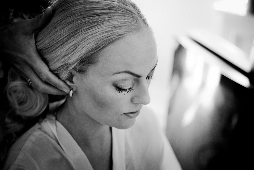 Bestil tid til makeup styling frisør til bruden