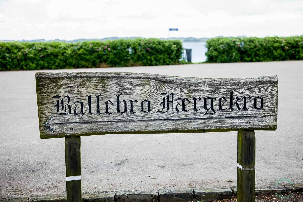 Ballebro Færgekro skilt